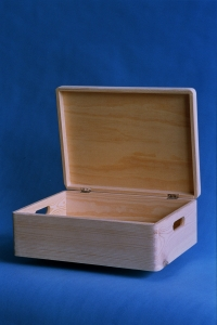 Wooden box with lid 400x300x150mm